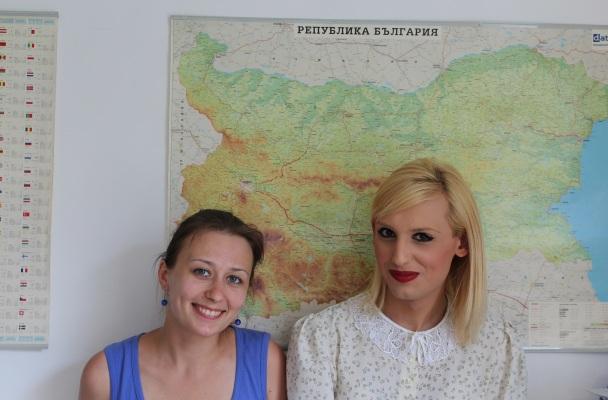 Alexis (dešinėje) kartu su straipsnio autore Virginija, nuotr. iš asm. albumo.