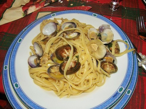 Neapolietiški spagečiai su moliuskais, Wikipedia nuotr.